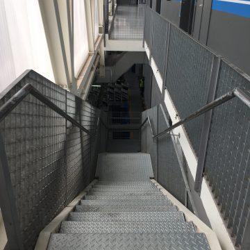 BONTAZ Escada 01